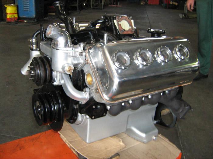 projet simca v8 aronde Daimler-v8-engine