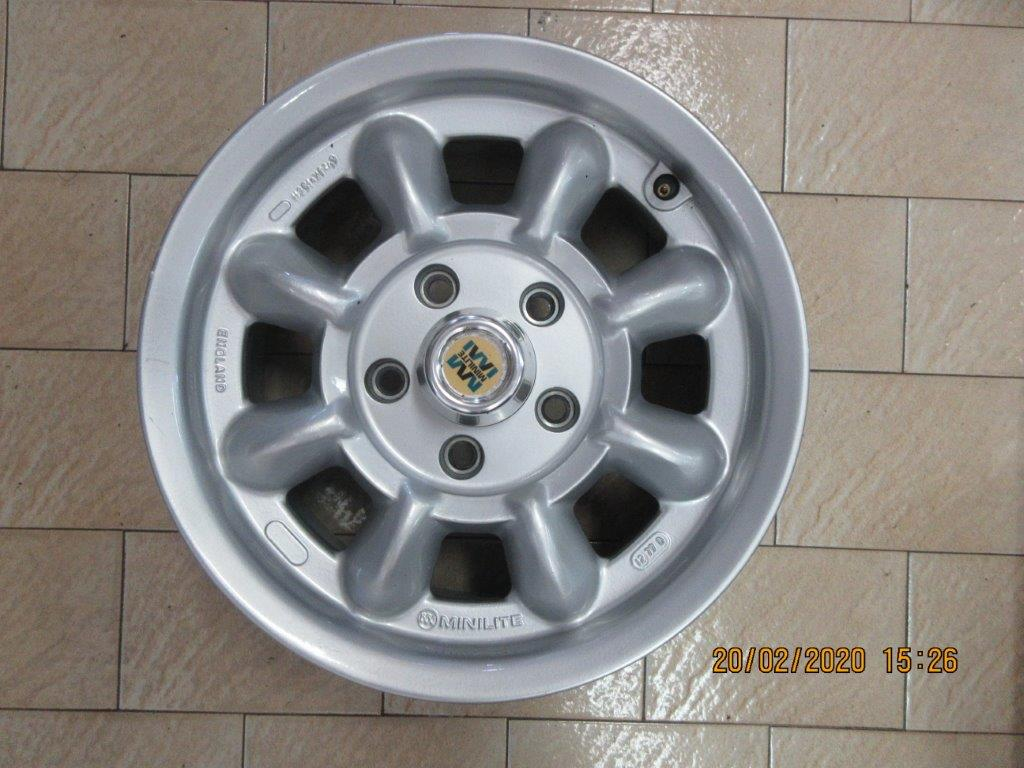 FOR SALE Genuine English Mini lite Bolt on Magnesium Wheels  with Alloy caps